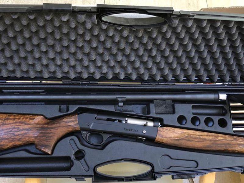 Продава се ловен полуавтомат Sauer SL5 кал.12х76