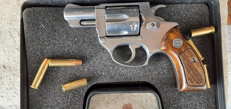 Револвер Astra кал. 38 sрecial, цев 2 инча, почти нов - около 35 изстрела